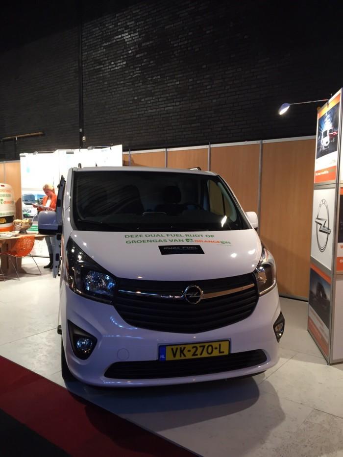 Nieuwe Opel Vivaro Dual Fuel brandstofsystemen besparing brandstofprijzen goedkoop tanken energie vergelijken